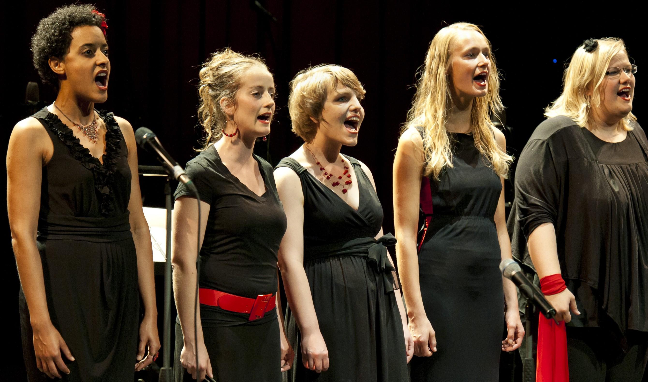 Jazzchor Freiburg singt