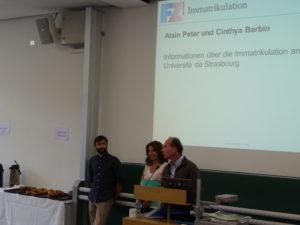 Guilhem Fernandez (Studienkoordinator am Frankreich-Zentrum), Cinthya Barbin und Dr. Alain Peter (beide vom Cuej), v.l.